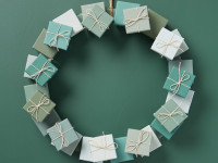 Get into the festive spirit with this DIY paper box colour wreath