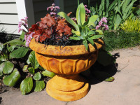 Turn a concrete urn into a vintage looking planter with Resene FX Faux Rust Effect