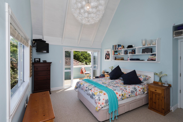 blue bedroom, master bedroom, sea cottage, resene cut glass