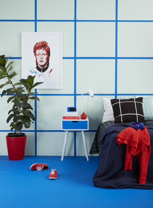 80s revival, 80s inspired bedroom, grid feature wall, blue bedroom, green bedroom, memphis bedroom