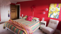 Jeff and Alex's Spectacularly Colourful Christchurch Bungalow photo