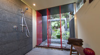 John and Linley's Quirky Coromandel Beach House photo