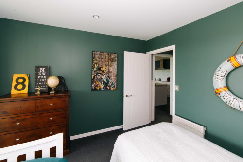 bedroom, kids bedroom, childrens bedroom, green bedroom, green feature wall, dark green