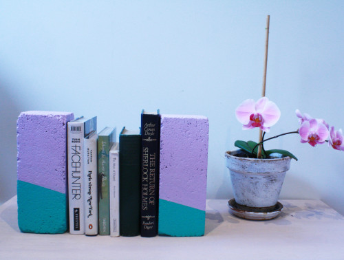 diy bookends, upcycling, painted bookends, brick bookends, purple bookends, diy project