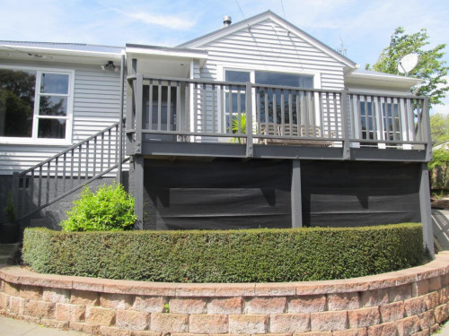 house exterior, weatherboard house, grey house, grey exterior, grey weatherboards