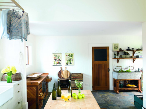 laundry, mud room, heritage house, wood features, white laundry, white mud room