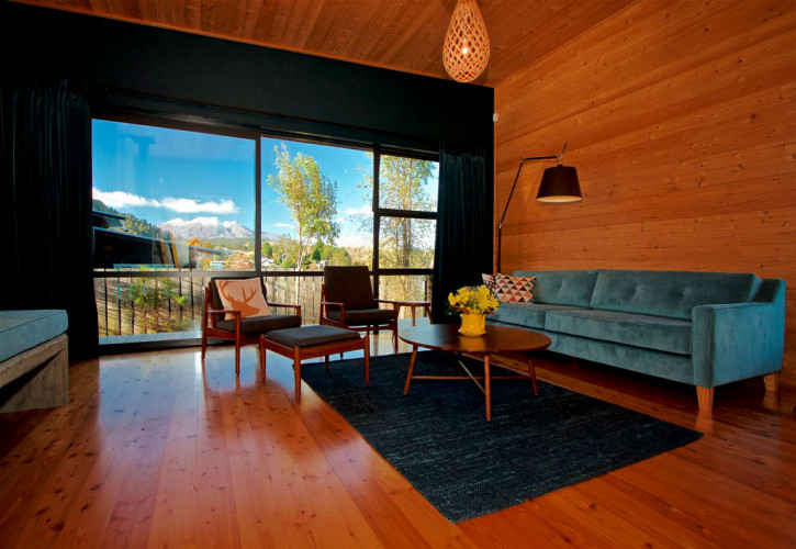 holiday cabin, timber walls, timber ceiling, timber floors, living room, lounge