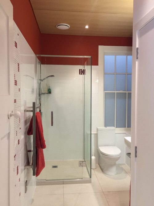bathroom, timber ceiling, red bathroom, white and red, villa bathroom