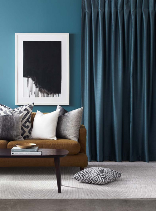 living room, lounge, blue lounge, blue living room, blue curtains, blue painted wall