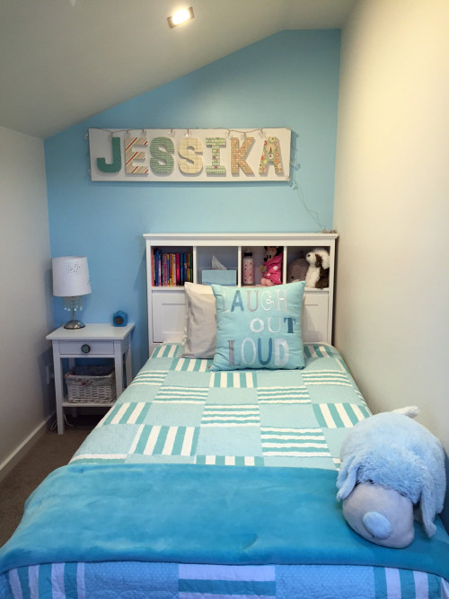 kids bedroom, children's bedroom, blue bedroom, blue feature wall, aqua
