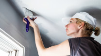 How to paint a ceiling photo