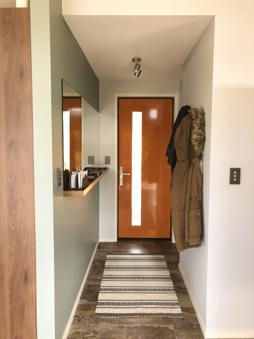 Retro Entryway, Orange Door, Mid Century Interiors, Bauhaus