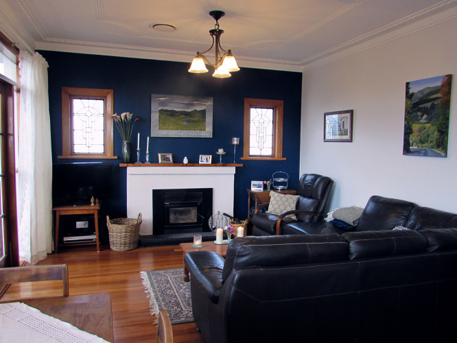 Blue Feature Wall, 50s Living Room, Stained Glass, Modern Fireplace